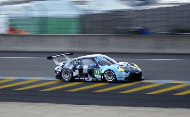 Porsche 911 RSR n°77 du Dempsey Proton Racing