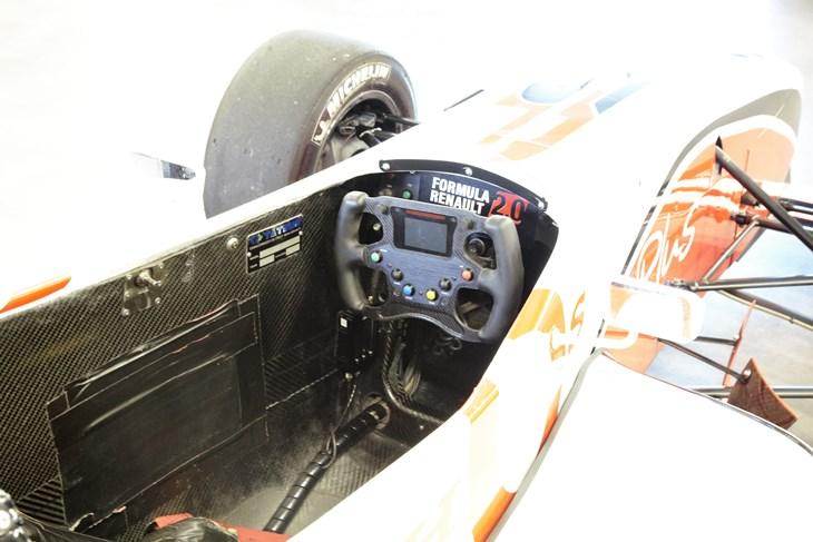 Vue du cockpit de la FR 2.0 de LSP